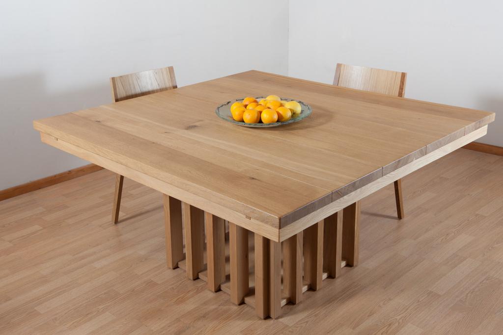 שולחן מעץ אלון מבוקע