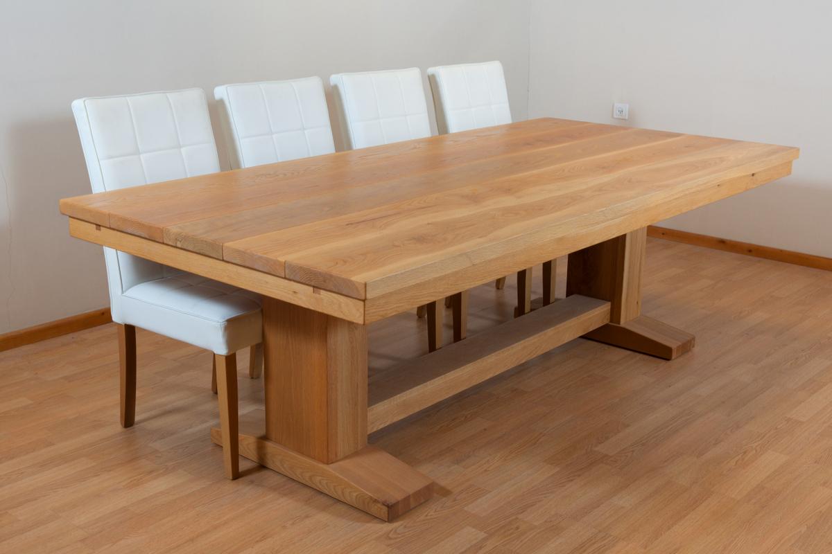 שולחן אוכל קורות אלון